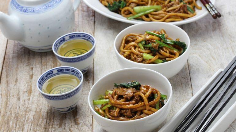 Tradicionalno kinesko jelo – Chow Mein